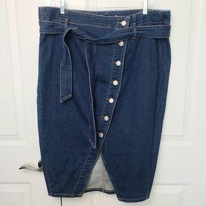 Dresses & Skirts - Midi length denim skirt size 20